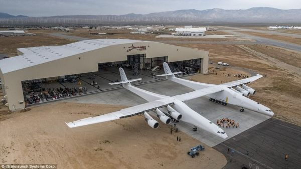 民航早报:全球翼展最大飞机今夏首飞