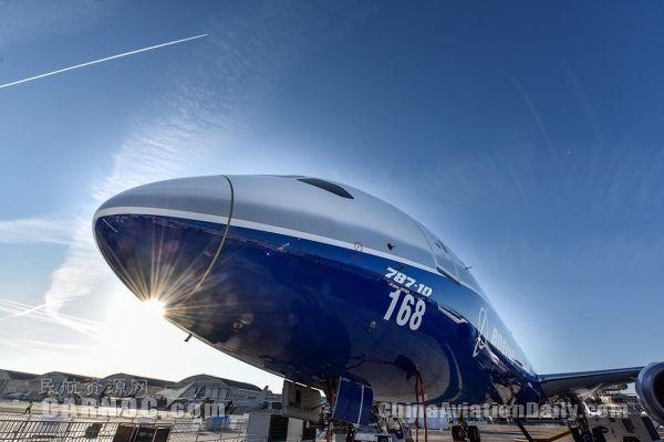 """波音在巴黎航展上首次发布""""797"""""""
