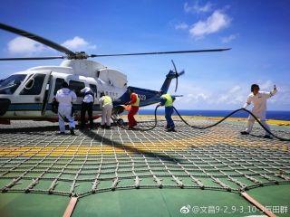 文昌9-2/9-3气田平台完成首次直升机加油作业