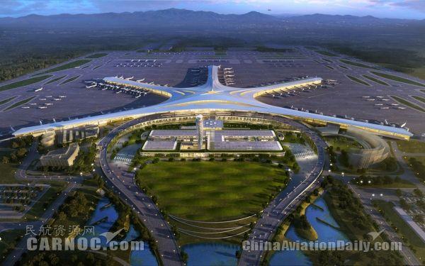 为有效缩短旅客办理乘机手续的时间,青岛机场国内值机增设专人引导,在