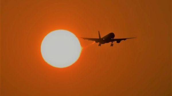出行达人的夏季梦魇 为何夏天航班更易延误?