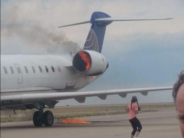民航早报:美联航客机在丹佛机场发动机着火