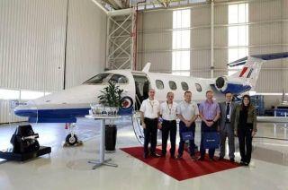 巴航工业向英国飞训系统项目交付首架飞鸿100