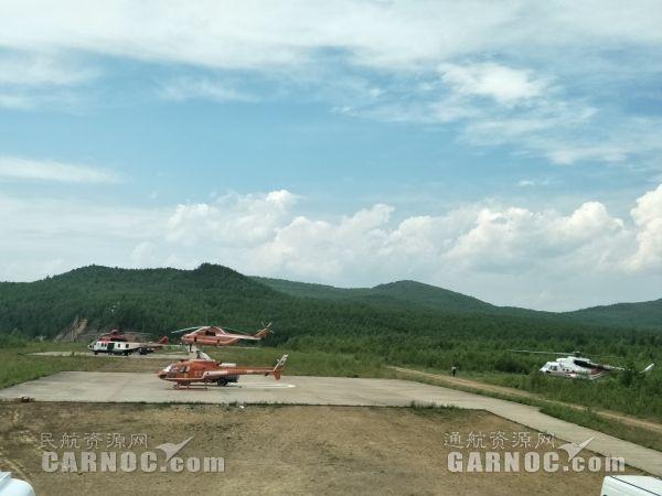 直升机起飞瞬间。