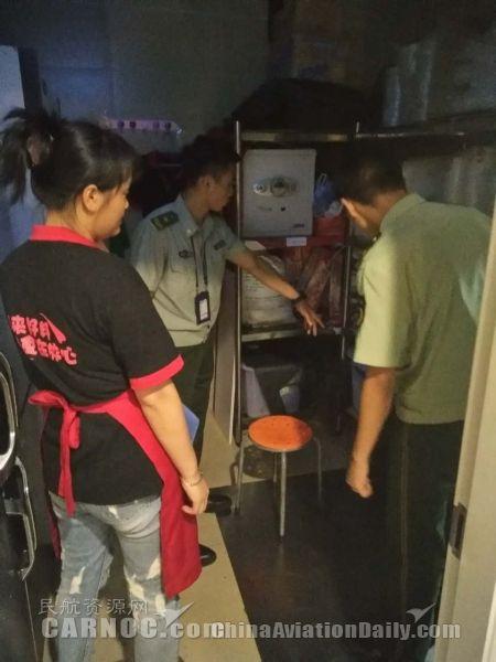 厦门机场消防对候机楼重点单位进行消防检查