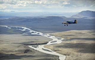 英国飞行队驾驶3架古董飞机穿越北极
