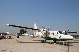 华彬双水獭DHC-6-400