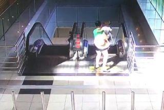 珠海机场员工快速反应 一对母子获救