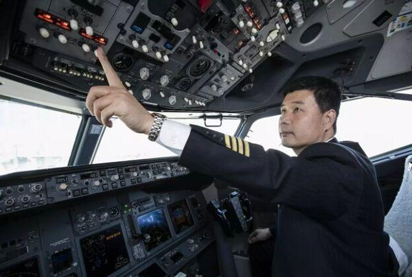 山航飞行教员曹怀东:益重青青志 风霜恒不渝