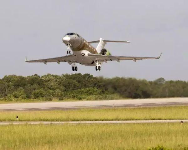 巴航工业首架墨尔本组装莱格赛500成功首飞