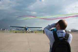 精彩表演抢先看!第十三届莫斯科航展18日开幕