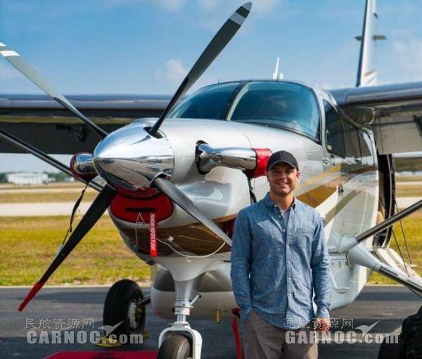 PT6A-34发动机保障大棕熊飞机参展2017EAA