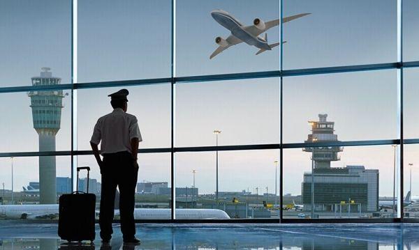 如何满足未来十年航空公司的飞行员需求?