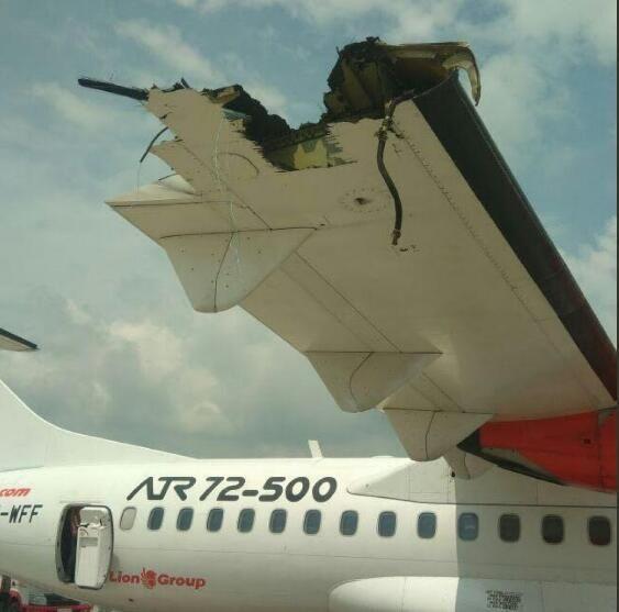 印尼两飞机发生地面碰撞 机翼严重受损