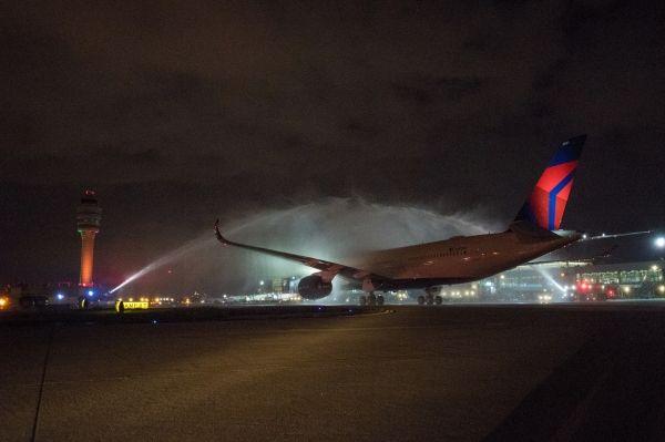 达美接收首架空客A350客机