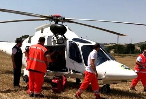 意大利一华人家庭车辆侧翻 官方调直升机送医