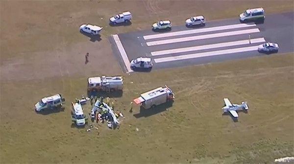 澳大利亚小型飞机着陆时发生意外 四名乘客逃生