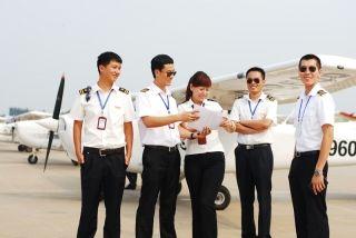 突破飞行人才短缺瓶颈,未来飞行员如何炼成?
