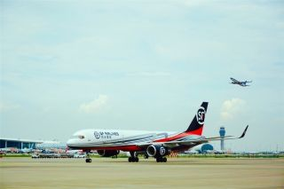顺丰航空引进首架带翼梢小翼波音757飞机