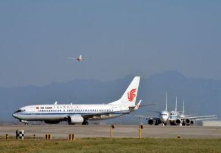 英媒:俄飞行员纷纷跳槽中国 月收入可达20万
