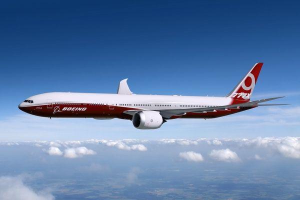 图:波音777X客机