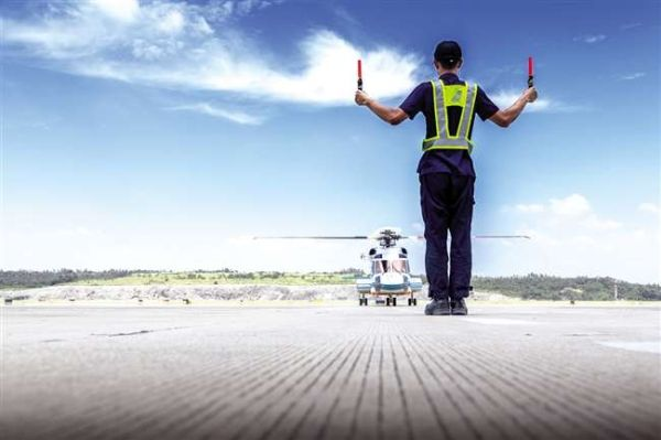 南航通航5架直升机从珠海飞潮汕避风 28日返回
