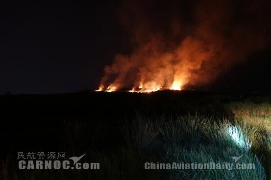 突发大面积山火 达州机场迅速出动紧急扑救