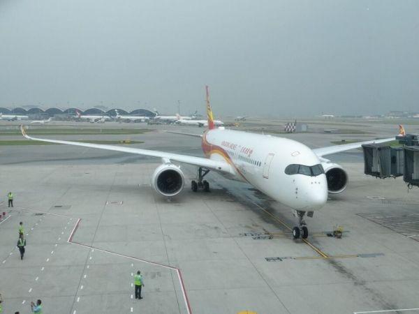 香港航空首架A350抵港