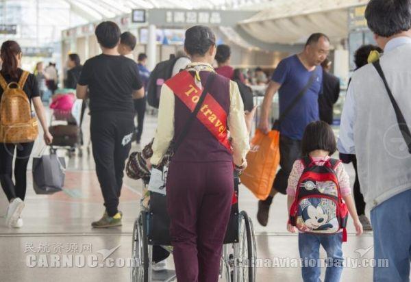 三亚凤凰国际机场暑运现场