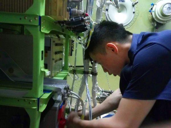 """全球首架E190飞机在新疆开""""天眼"""""""