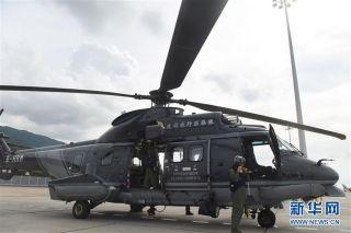 冲上云霄的救护天使 记香港特区政府飞行服务队