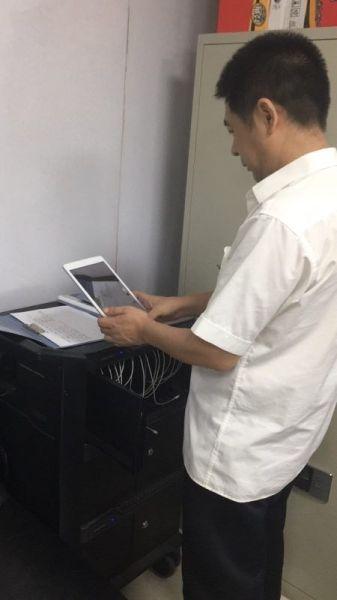 东航西北运控部深化推进飞行资料电子化进程