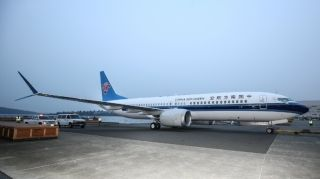 完成喷漆后亮相的中国南方航空737MAX8,图片来源:@波音官方微博。