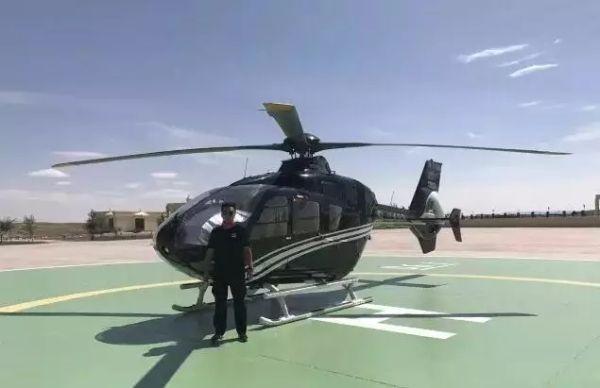 巴丹吉林沙漠开启国内首家沙漠直升机低空游