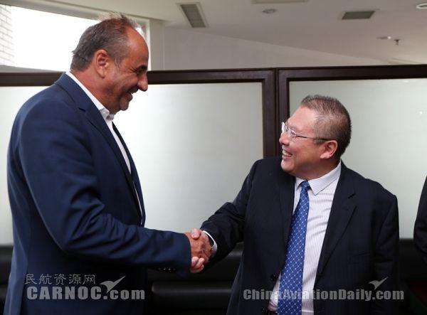 捷克总统顾问扬·科胡特访问山航