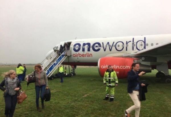 柏林航空一客机冲出跑道