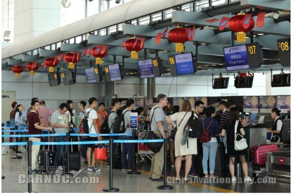 白云机场呼吁尽量乘地铁来机场 避免晚到误机