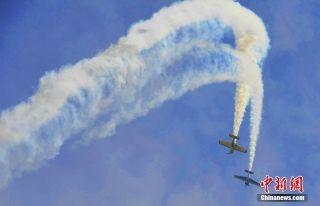 图集 | 四川国际航展公众日 民众扎堆逛航展
