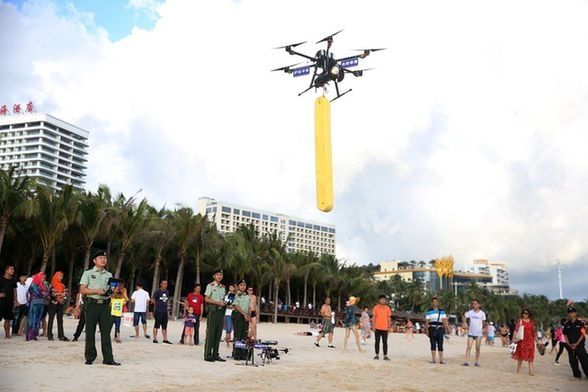三亚首用无人机在景区执勤 海上救生仅需2分钟