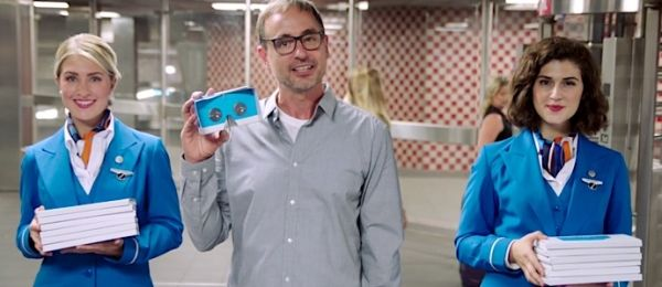 KLM最新VR营销大法,吸引旅客花钱升舱