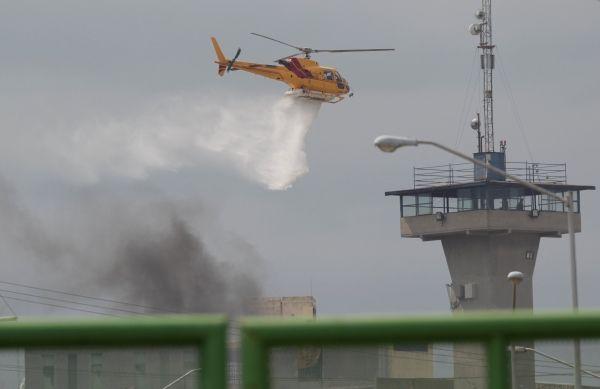 墨西哥一监狱发生骚乱13人死亡 直升机出动