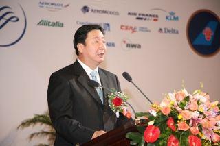 杨元元:反对单纯为了保安全,简化飞行训练科目