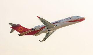 第3架ARJ21交付成都航 中国支线客机迈进批产化