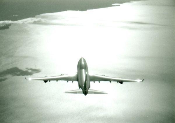 欧洲航空业分化:小公司出局大型公司股价暴涨