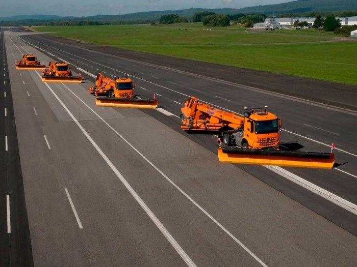 法兰克福机场与戴姆勒测试无人驾驶扫雪车