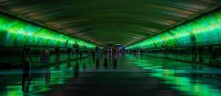"""科技提升美机场旅客满意度 但""""成长烦恼""""难免"""