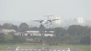 爱尔兰航空飞机风暴中惊险降落