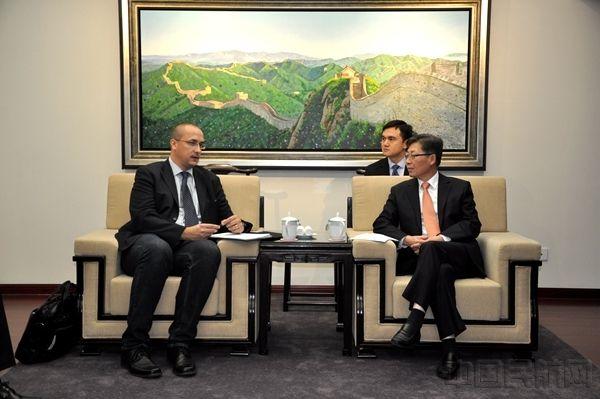 王志清会见斯洛文尼亚基础设施部国务秘书