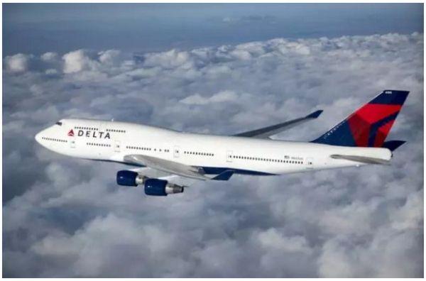 """达美航空""""空中女王""""波音747-400优雅退役"""