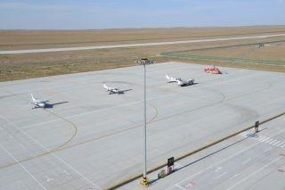 1-10月 可可托海机场共完成飞行保障2142架次